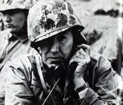 米軍、砲爆撃を開始